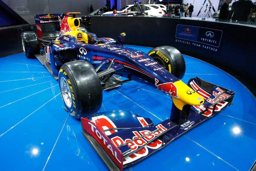 BIZ-AutoShow16p-Infiniti-Red-Bull-Formula-One-race-car