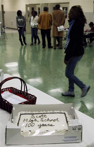 Scott-High-School-celebration-cake