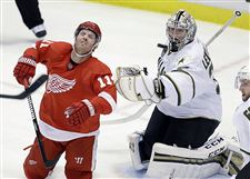 Stars-Red-Wings-Daniel-Cleary