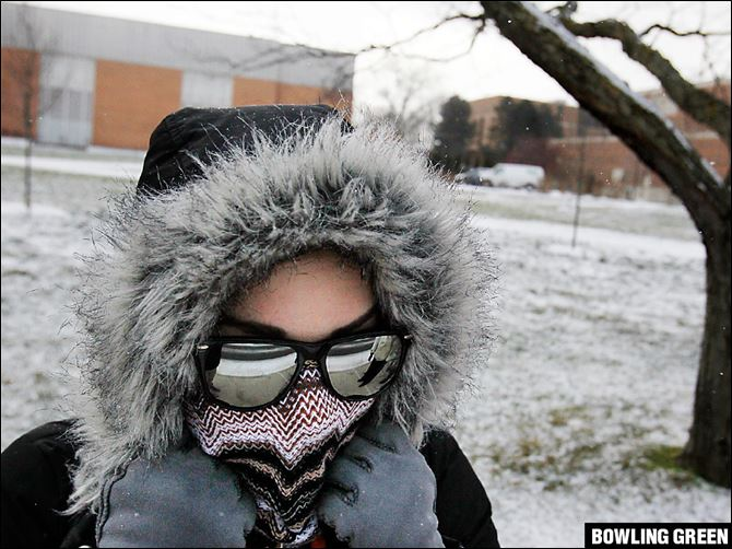 Winter Weather BGSU 'This is my protecting-my -vocal-cords face,' Janina Bradshaw, a musical theater student, said as she made her  way to class at Bowling Green State University.