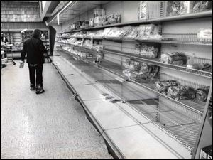 Joseph's bread counter at the Franklin Park Mall is down to a few loaves of bread during the Blizzard of 1978