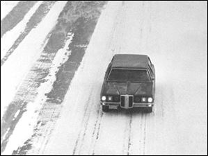 Drivers make their way down northbound I-75 in this view from Bates Road in Toledo, following the Blizzard of 1978.