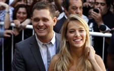 People-Michael-Buble-Luisana-Lopilato