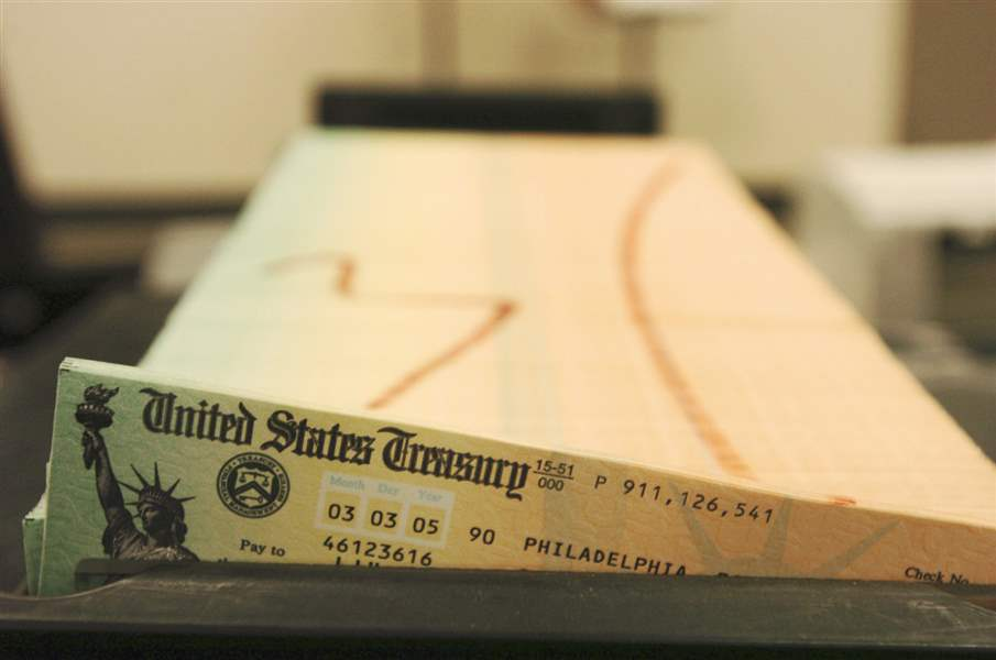 Social-Security-paper-checks