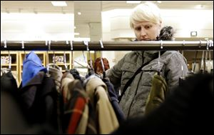 U.S. consumer confidence plunged in January to its lowest level in more than a year.