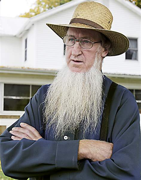 Amish-attacks-Mullet