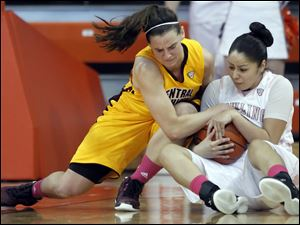 BG's Katrina Salinas, right, and Central Michigan's Jessica Schroll battle for the ball.