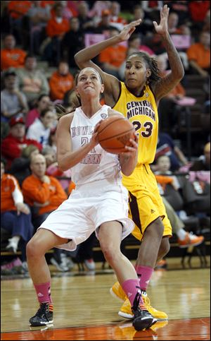 Chrissy Steffen, who led BG with 19 points, looks to shoot against CMU's  Crystal Bradford.