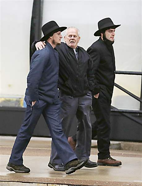 Amish-men-U-S-Federal-Courthouse