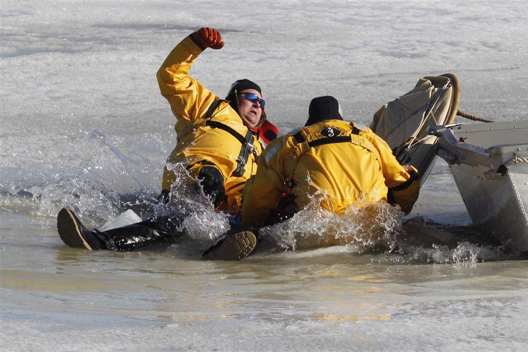Ice-rescue-exercise-falling