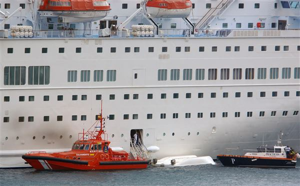 Dead Injured As Lifeboat Falls From Cruise Ship In Spain - Cruise ship fatalities