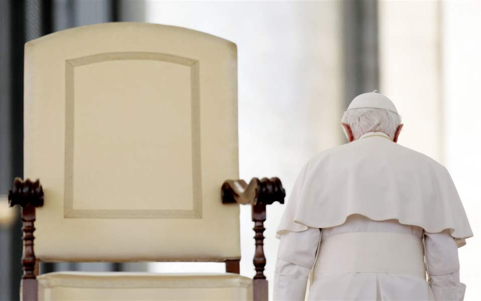 Vatican-Pope-Resigns-EMPTY-CHAIR