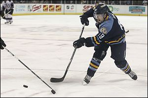 Toledo's forward Randy Rowe will play in his 600th career ECHL game today in Evansville. The veteran has played for seven clubs, including two stints with the Walleye.