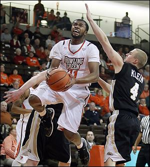 Bowling Green's Chauncey Orr, who had 11 points, goes to the basket against Western Michigan's Jared Klein.
