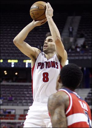 Jose Calderon led Detroit with 24 points in a victory over Washington.