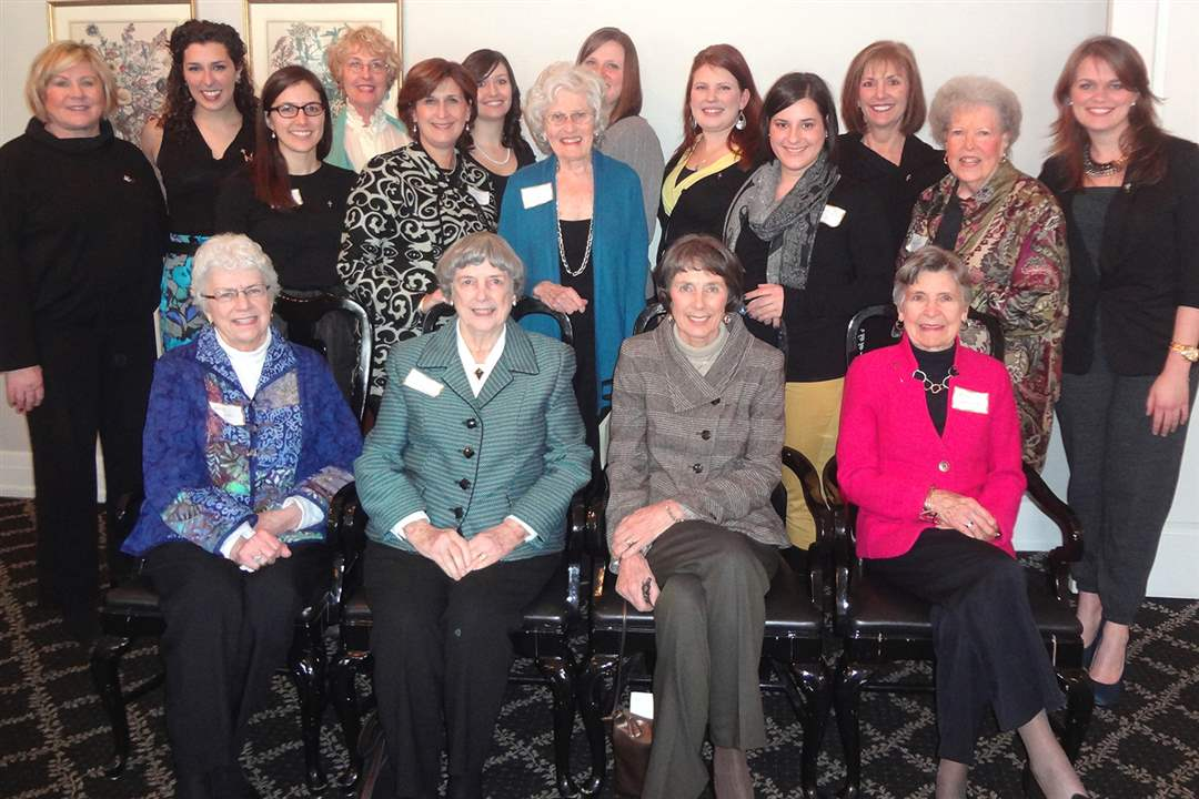 Attendees-at-the-Kappa-Altha-Theta-Founder-s