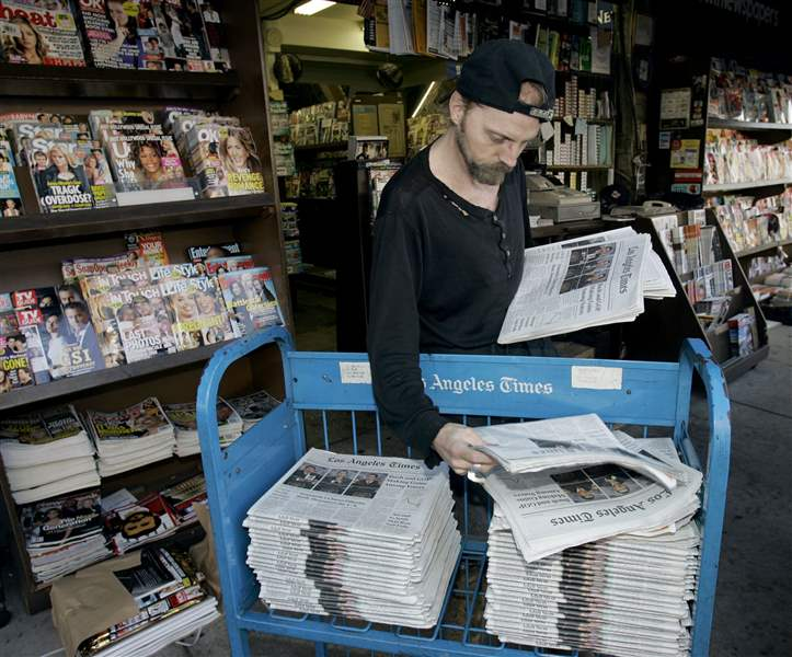 AP-NEWSPAPERS-PRIVATE-OWNERS-la