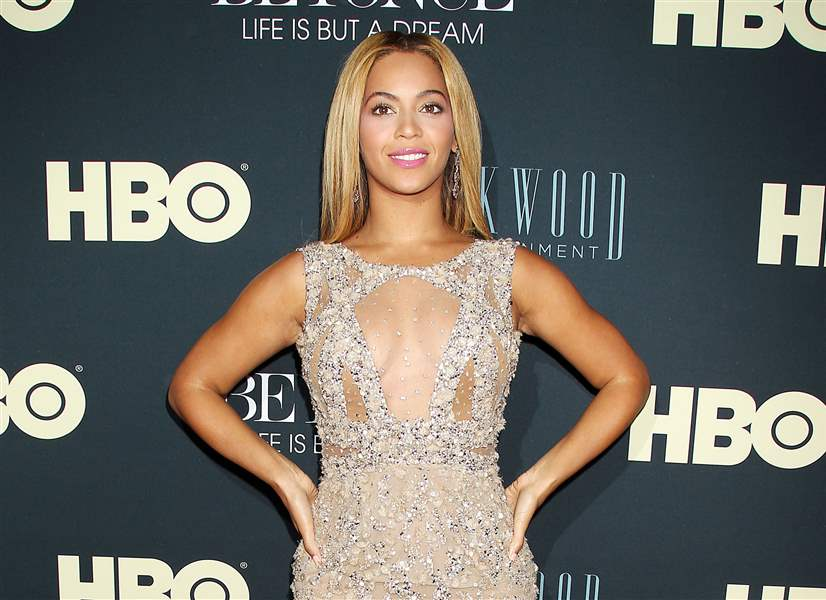 Premiere-Beyonce-Life-is-But-a-Dream-2
