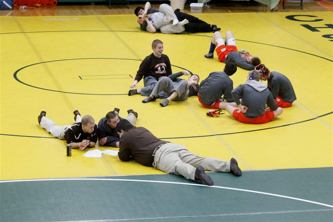 DI-sectionals-wrestling