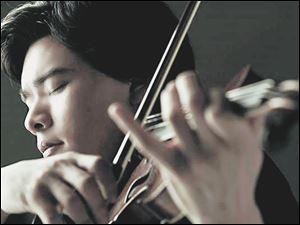 Violinist Stefan Jackiw.