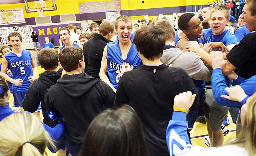 Anthony-Wayne-players-and-fans