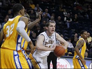 Toledo's Richard Wonnell passes the ball.