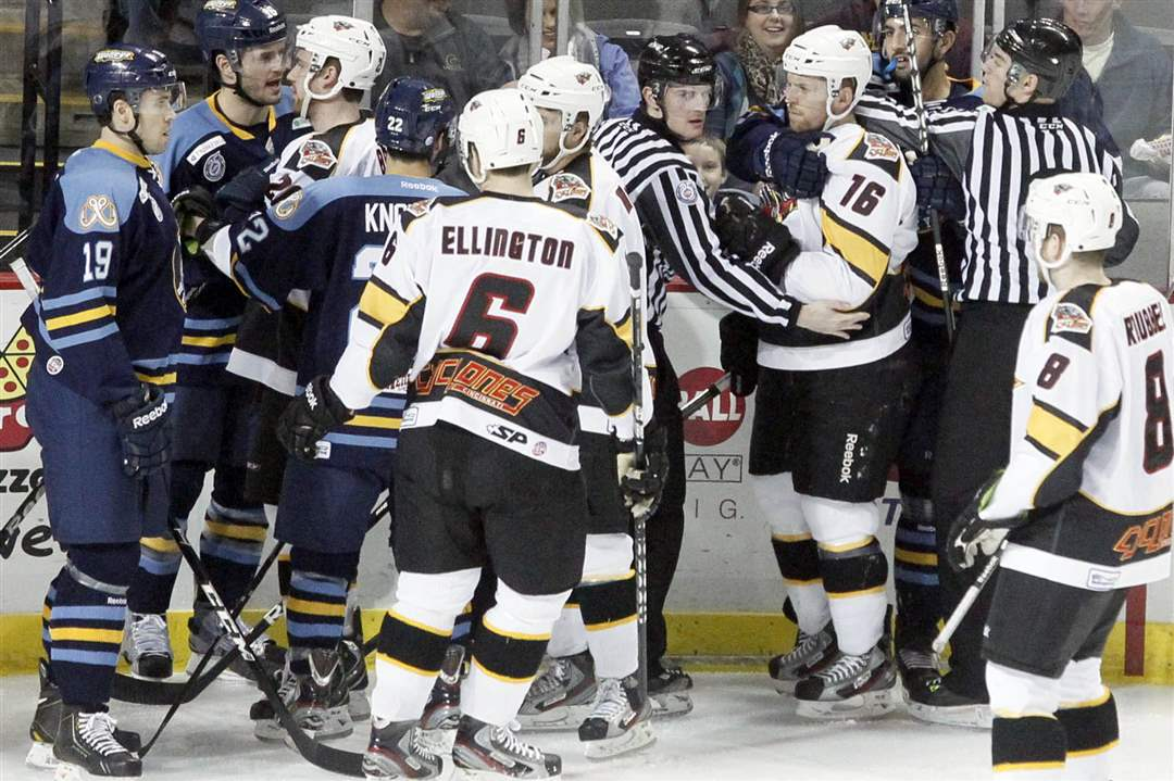 SPT-Walleye25p-fight
