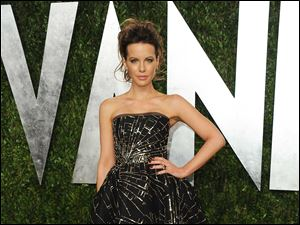 Actress Kate Beckinsale arrives at the 2013 Vanity Fair Oscar Part.