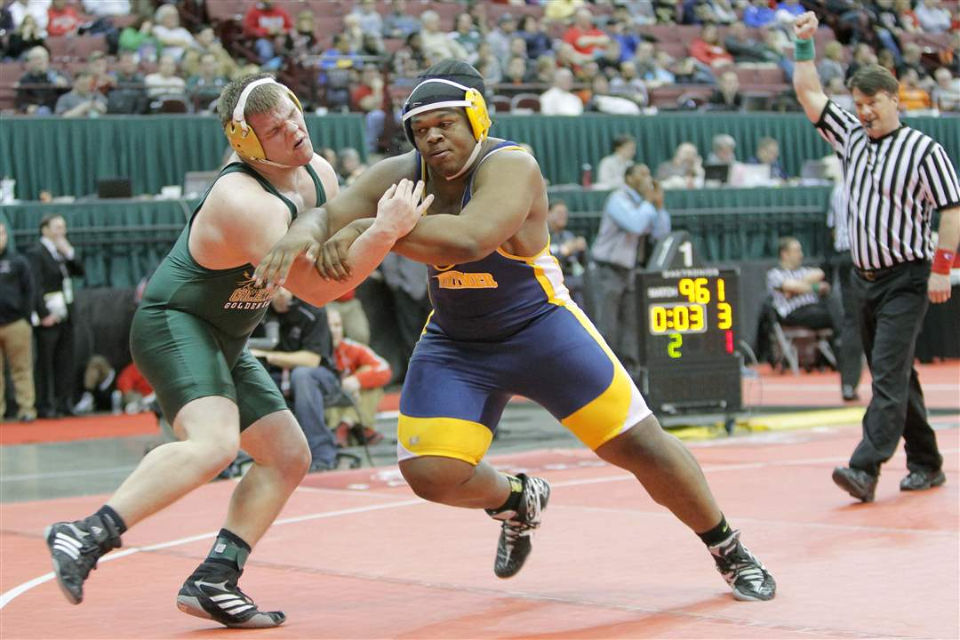State-wrestling-Whitmer-Marquise-Moore