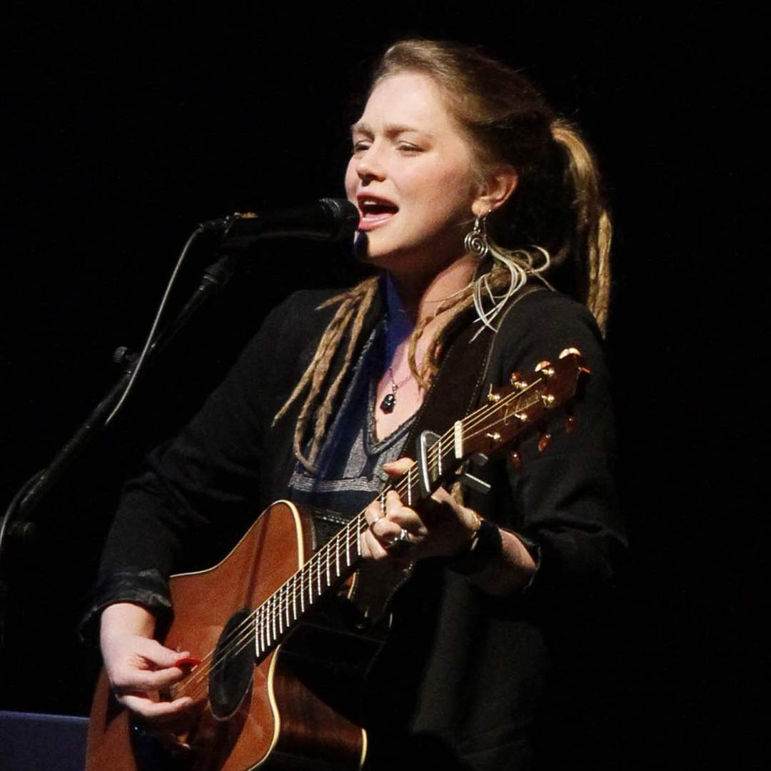 Crystal-Bowersox-opening-3-3