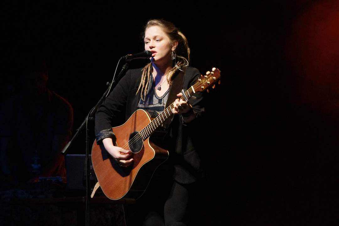 Crystal-Bowersox-new-songs-3-3