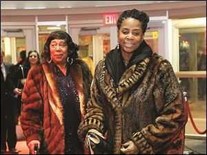 Rosalind Craig, left, and her daughter Yvette Thompson Gordon, arrive on the red carpet in style.