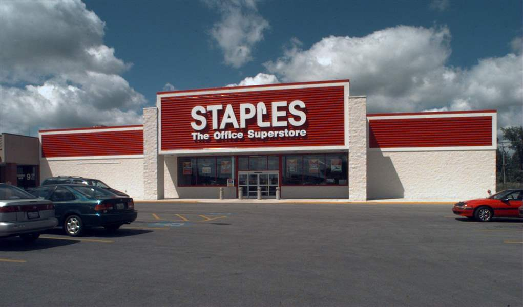 Bowling-Green-Staples-store