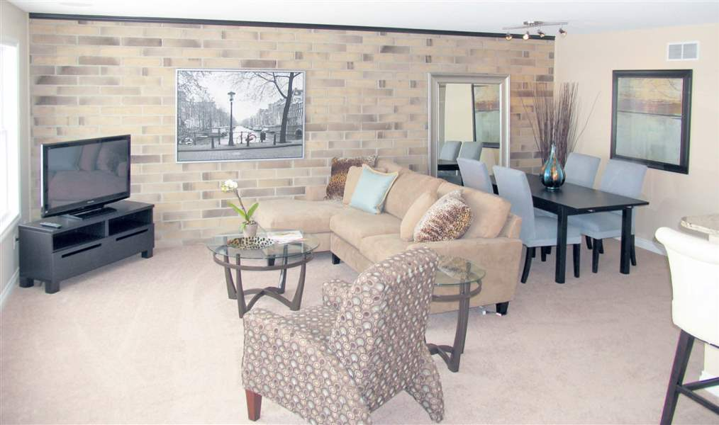 Lakeside-Townhome-Great-Room