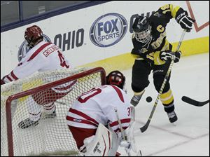 Northview senior Zander Pryor (19) attempts to score during the third period.