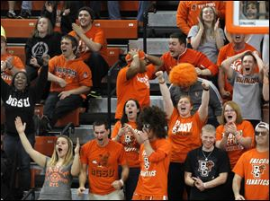 Fans go wild after BGSU begins to erase an 11-point deficit against Miami.