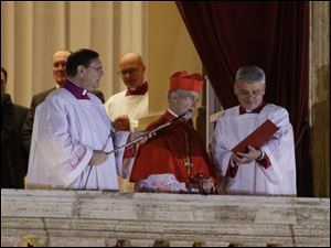 Cardinal Jean-Louis Tauran announces the newly elected Pope Jorge Mario Bergoglio, who took the name of Pope Francis.