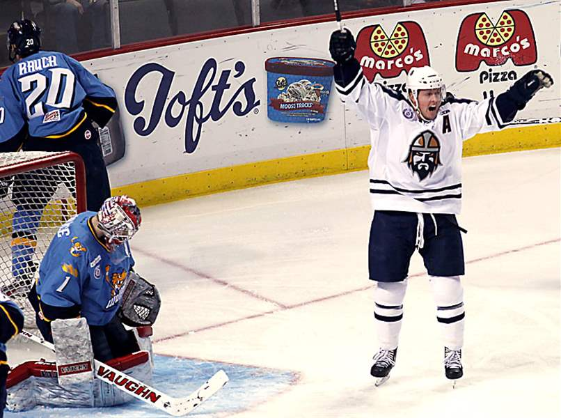 Walleye-goaltender-Jordan-Pearce