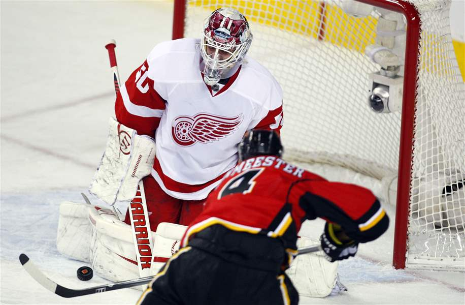 Red-Wings-Flames-Hockey-Gustavsson