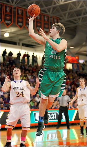 Ottawa Hills senior Lucas Janowicz finished with 14 points.