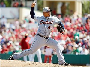 Tigers reliever Bruce Rondon throws during Saturday's exhibition game against the St. Louis Cardinals. The possible closer this season had his fourth straight scoreless outing.