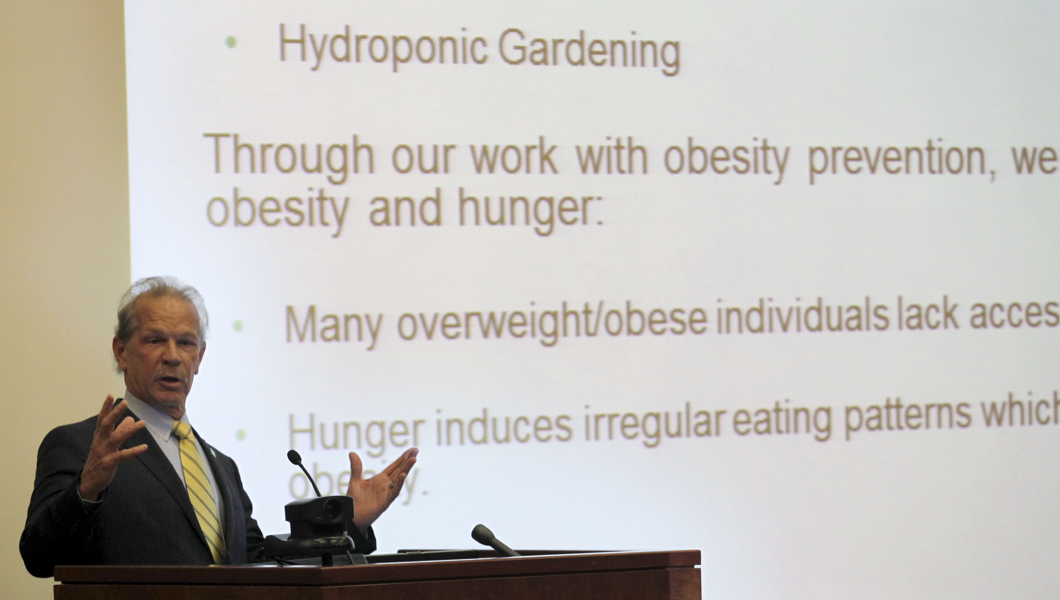 the poverty and obesity epidemic essay In order to fight the obesity epidemic, people need to find some level of willpower   and when their child looks overweight, there might be some.