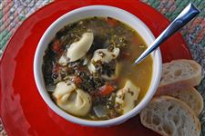 Sausage-Tortellini-and-Spinach-Soup