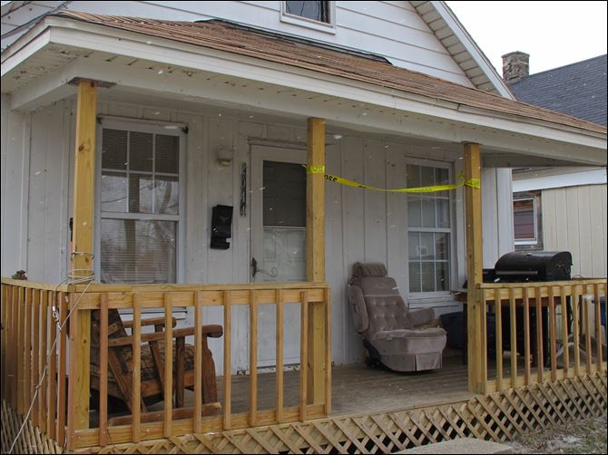 CTY stabbing22p House at 2044 Woodford St. where Toledo police were called because of a stabbing.
