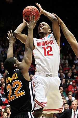 Ohio State's Sam Thompson had 20 points against Iona. The Buckeyes are 27-7.
