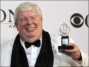 "Richard Griffiths of ""The History Boys"" poses for a picture with his Tony for Best Performance by a Leading Actor in Play at the 60th Annual Tony Awards."