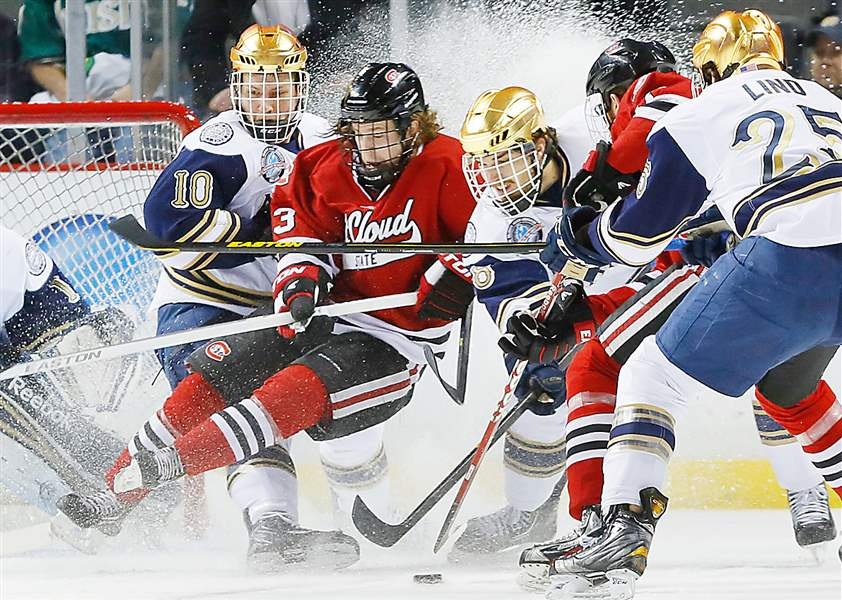 NCAA-hockey-Notre-Dame-St-Cloud