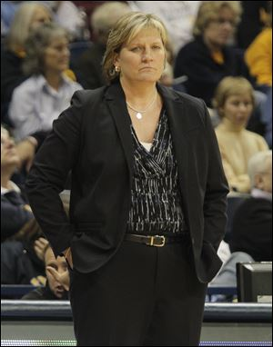UT head coach Tricia Cullop om the sidelines of a 2012 game.