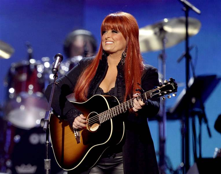 TV-Dancing-With-the-Stars-Wynonna