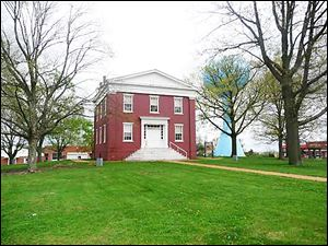 The Mount Pulaski Courthouse, built in 1848, was Logan County's seat of government until 1855. Attorney Abraham Lincoln regularly argued cases in the second-floor courtroom, helping to establish his reputation.